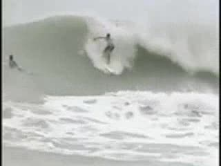 MedicineFilms.com - Surfing Hurricane Francis 2004